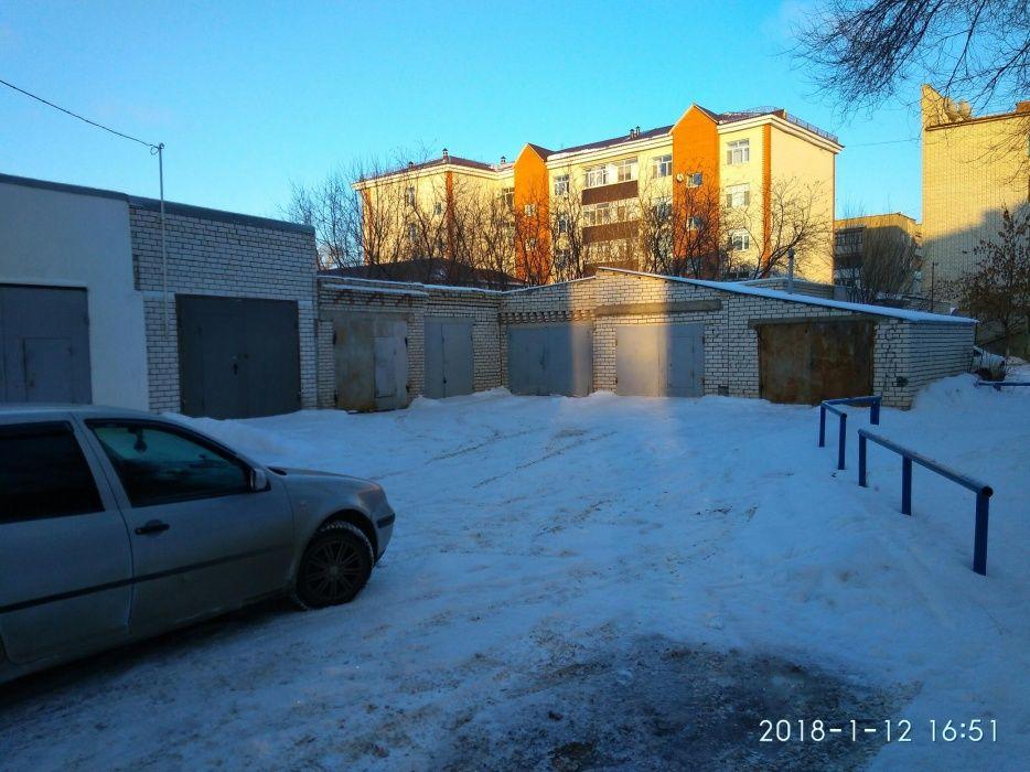 Продается капитальный гараж в районе революции (возможно под склад)