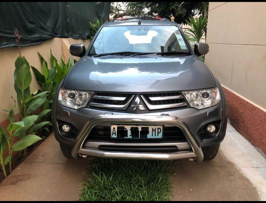 Mitsubishi Pajero Sport 2015 Automático 4x4 Estado Novo 7Lugares