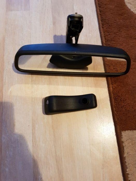 Електрохроматично огледало за BMW