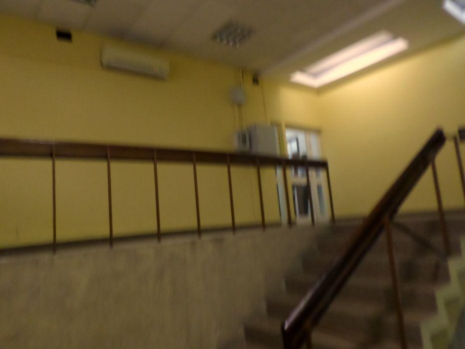 Escritório enorme com 9 salas, na Mutamba, para venda.