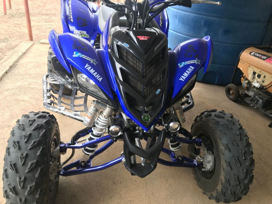 vendo moto 4 Yamaha 700 r