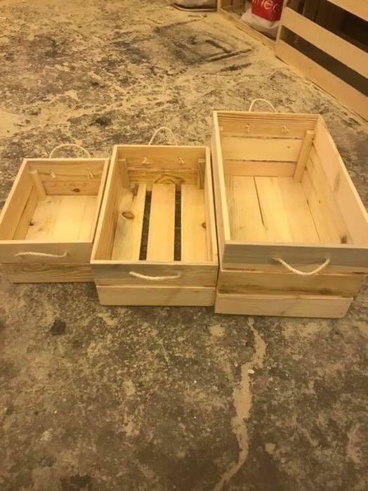 Сет от три декоративни дървени щайги с конопени дръжки