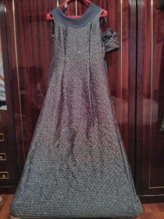 Rochie eleganta, pe corp