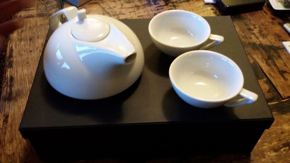 чайник порцеланов с 2 чаши дизайнерски в луксозна подаръчн