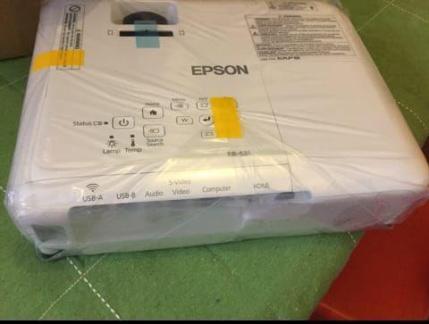 Projectora Epson novo a venda