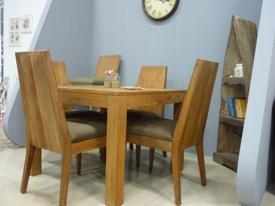 Четири броя трапезни столове с тапицерия.ID Номер 2344
