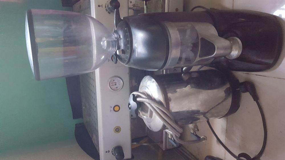 Vende-se máquina de café original a bom preço