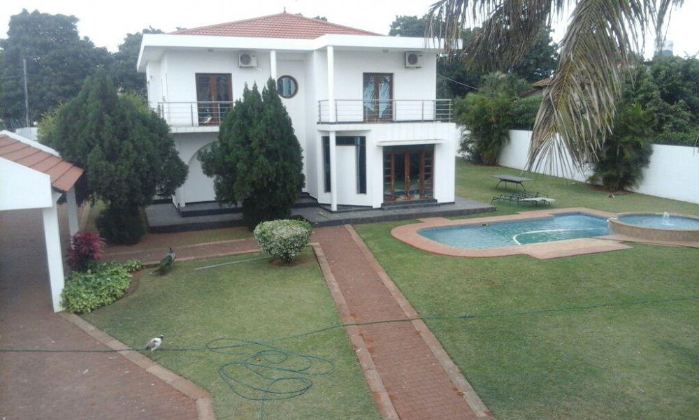 Arrenda se uma luxuosa casa na cidade de Matola perto do Spar