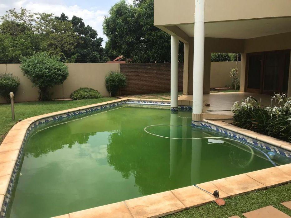 Vende-se luxuosa vivenda T4 duplex na Matola no bairro do fomento