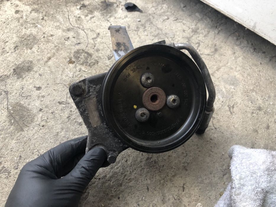 Pompa servo servodirectie bmw 3.0 diesel bmw e90 e91 e92 e93 330d 335d
