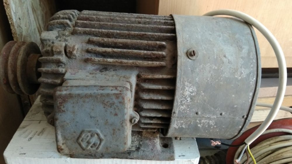 Motor electric trifazic 28 kw