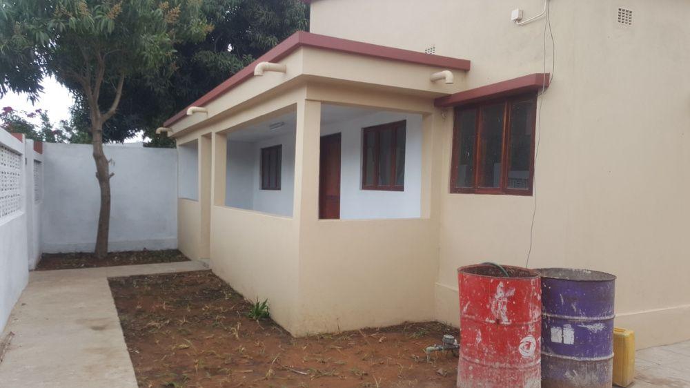 Vende-se casa tp3 nova pronta habitar em laulane próximo do governo
