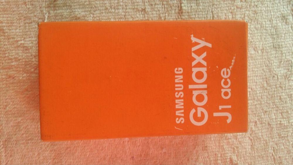 Samsung galaxy J1ace celado not caixa