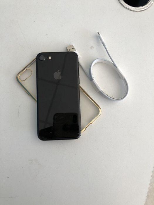 iPhone 8 Normal com 64gigas super limpo com oferta de pasta , cabo e Malhangalene - imagem 1