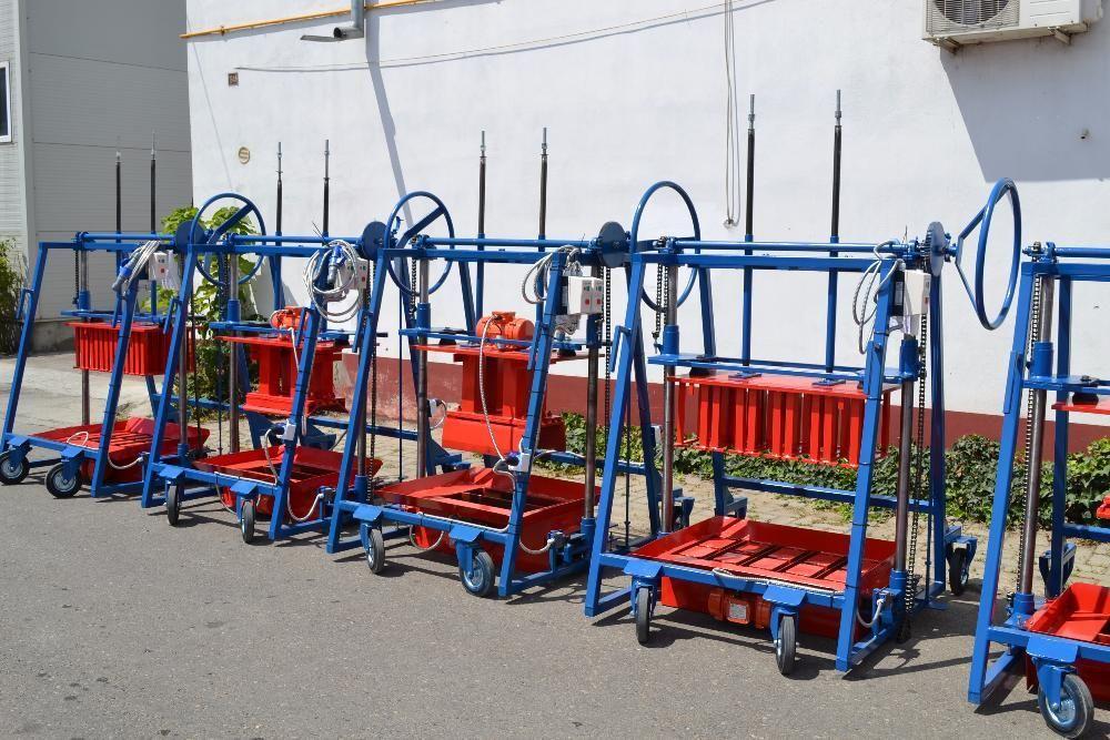 Presa/ Masina/ Vibropresa mobila boltari beton - STANDARD PMV 4B200