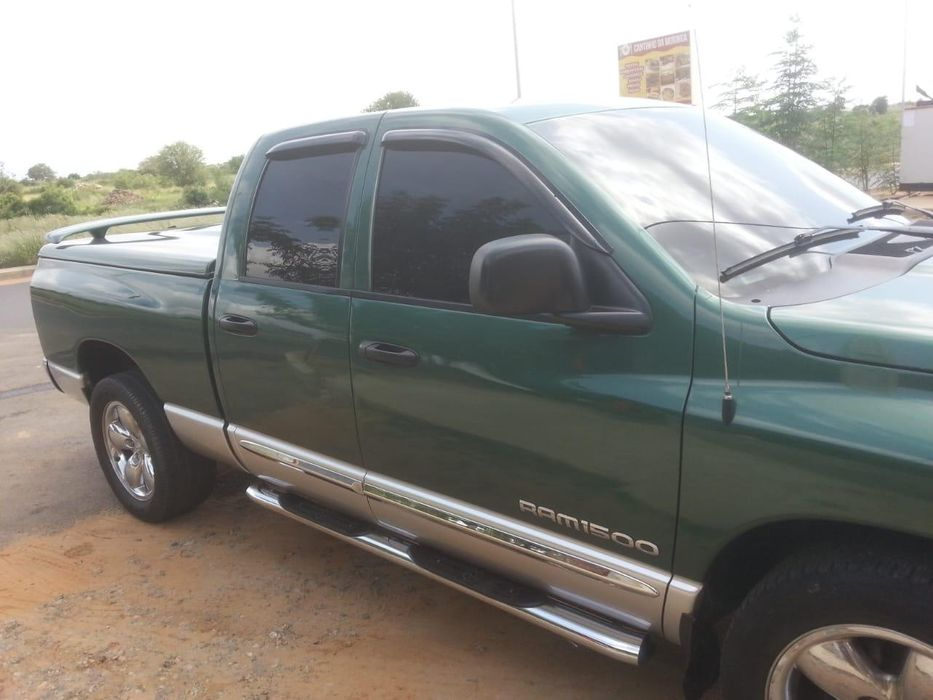 Vende-se carrinha Dodge RAM com 77000 kms