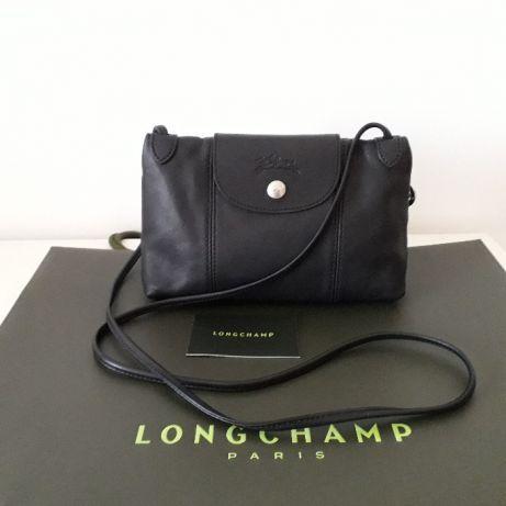 0fc38b8034b Pochete em pele La Pliage da Longchamp ORIGINAL em preto