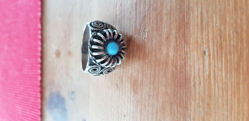 Inel din argint cu filigran