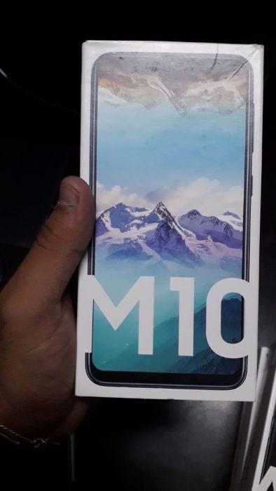 Galaxy M10 novo selado na caixa com 32 gb