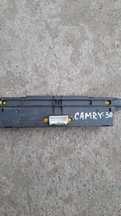 дисплей на переднюю консоль камри 30