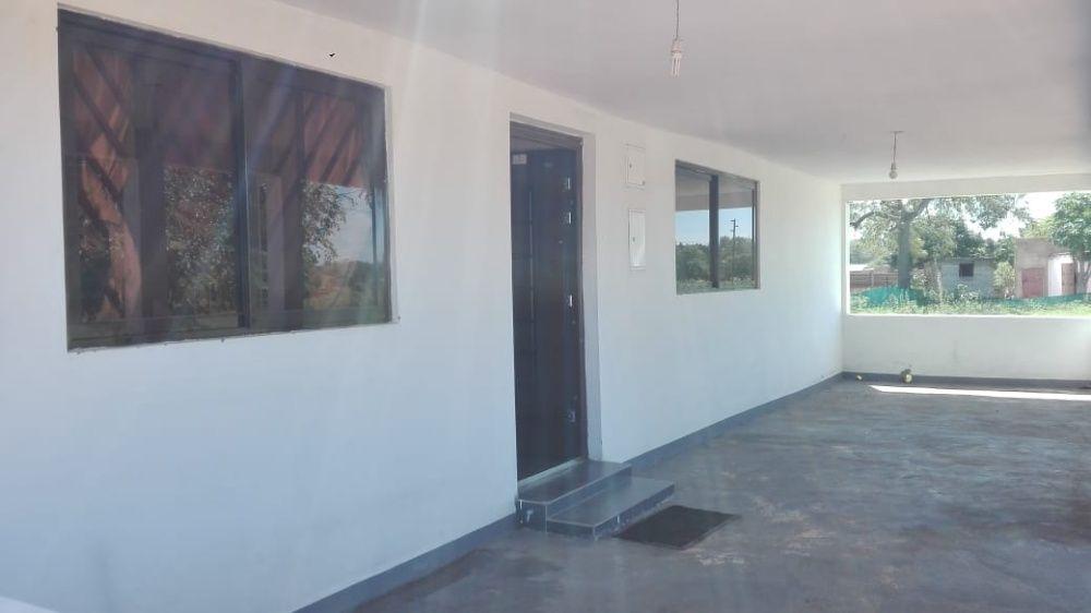Vende-se casa t2 suite com tanque d'agua - MOZAL