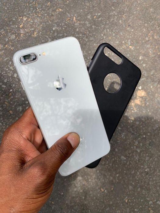 IPhone 8 Plus súper clean legal e com garantia