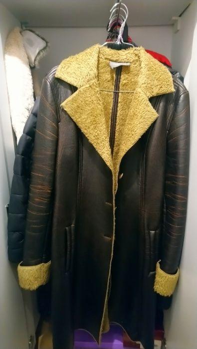 Palton blana si piele ecologice marimea 38