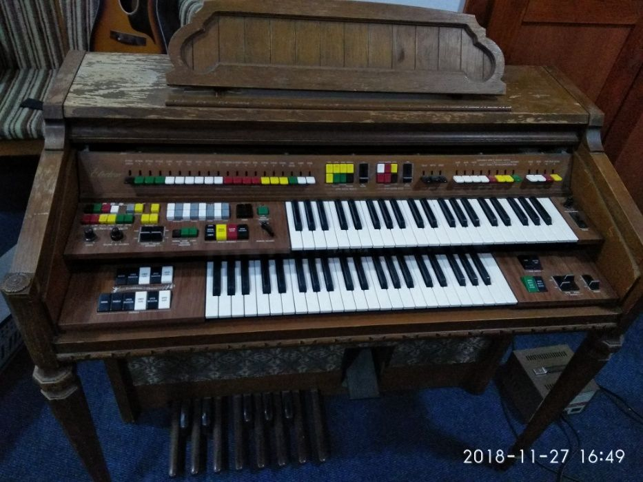 Orga Yamaha Electone ® 315D-S pentru biserica