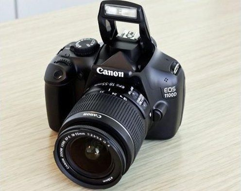 Зеркальный фотоаппарат Canon 1100