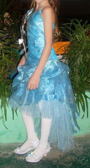 Срочно! Шикарное платье на девочку 8-10 лет.