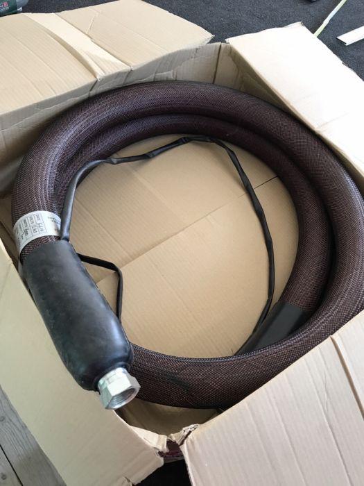 Vând furtun pentru aparat cu HOT Melt (geam termopan )
