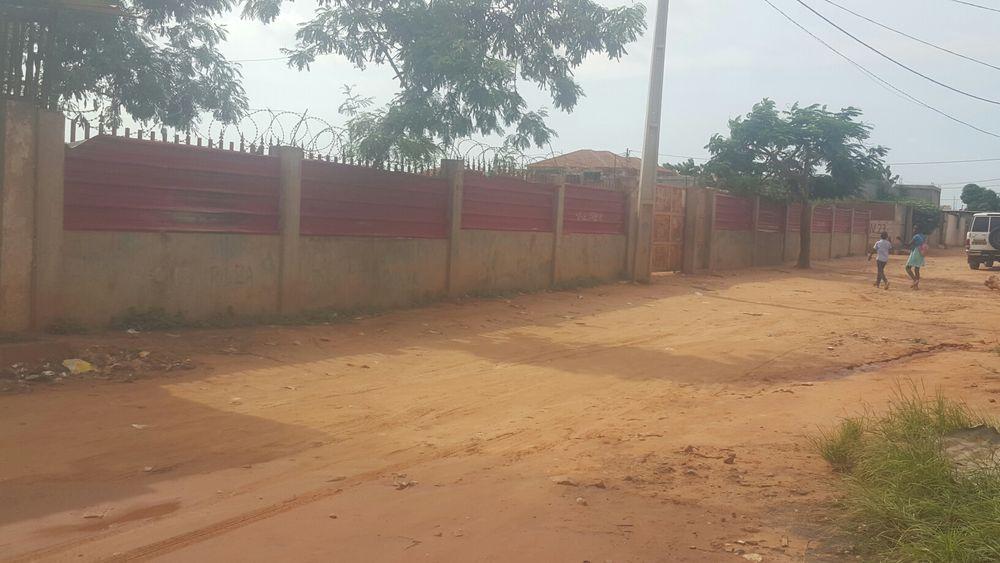Vendo Terreno 60x60 vedado água e luz. ruas urbanizadas no Camama