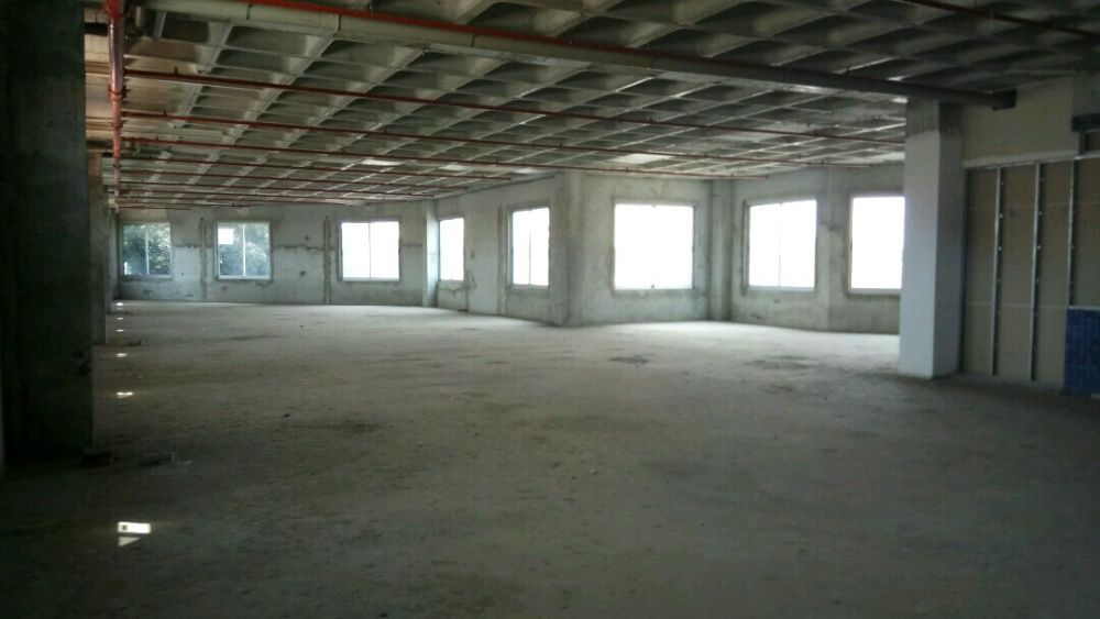myhouseangola.com Vende Loja 487 m2 no Mix Center - Talatona