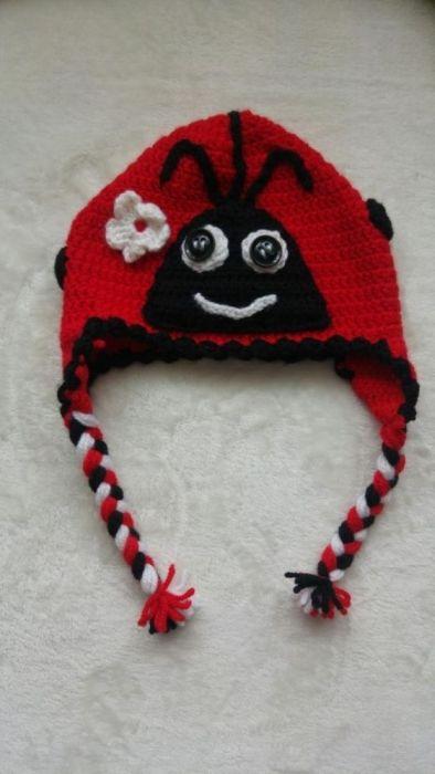 НОВА Детска зимна шапка калинка