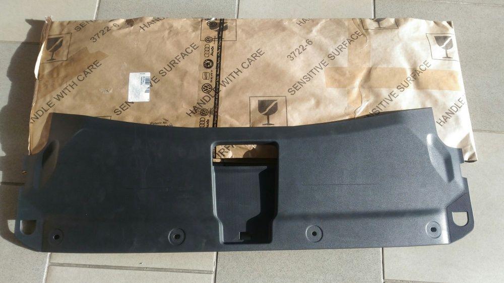 Masca superioară Audi Q3 - 8U0807081B
