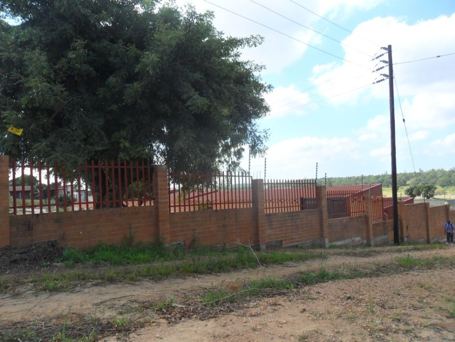 vende-se casa de acomodacao em maracuene perto da entrada da facim Bairro Central - imagem 2