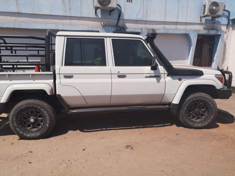 Toyota | Land Cruiser | 2014 | Manual | Diesel | 4×4 Cidade de Matola - imagem 4
