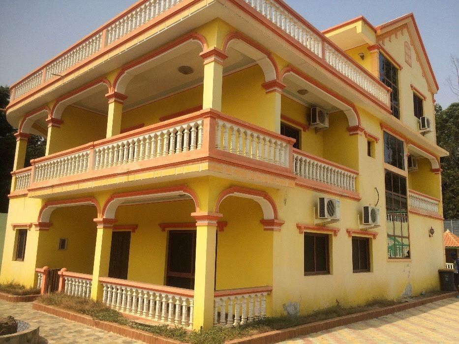 Vivenda à venda,localizada no Camama.