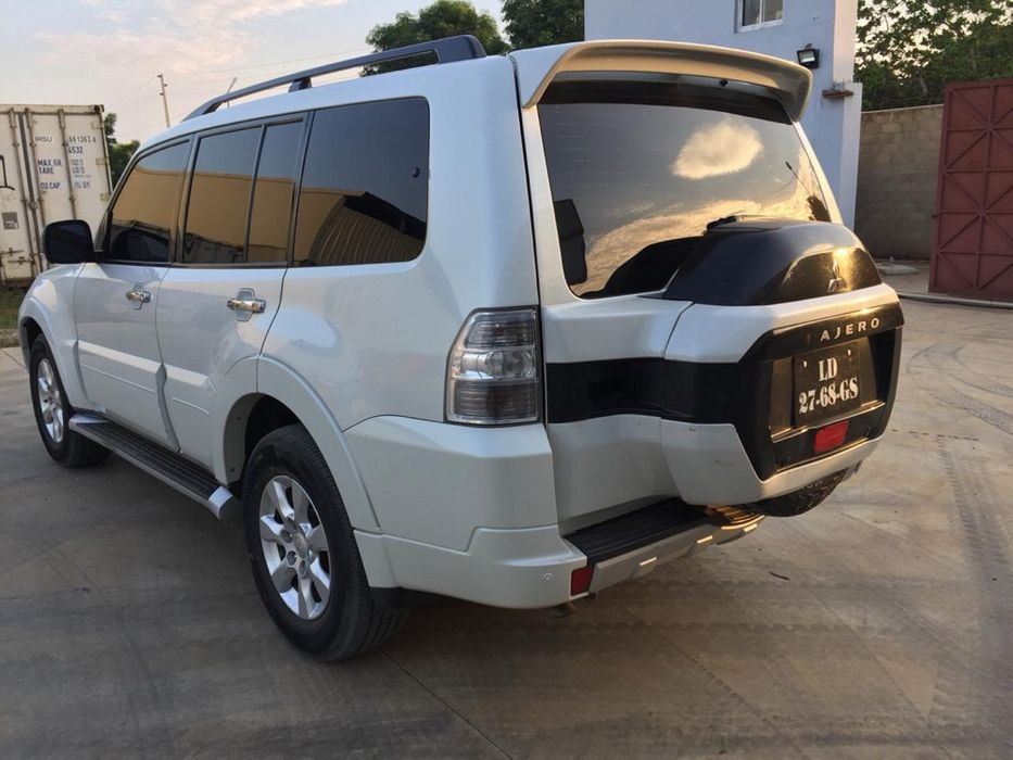 Vendo Mitsubishis Pajero v6 Gasolina 2016