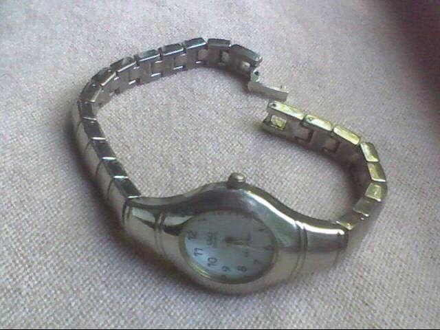 ceas dama Q&Q, cu baterie