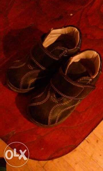 Нови детски кожени обувки 19 номер