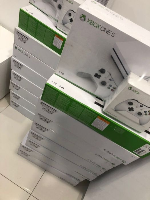 Xbox One X Consolas Seladas e com Garantia incluindo dos Controle Joys