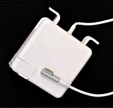 Carregador de MacBook Pro de 60 e 85v