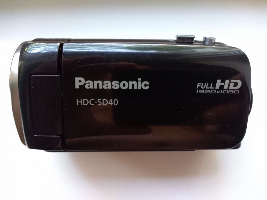 Vând camera video Panasonic hdc-sd 40
