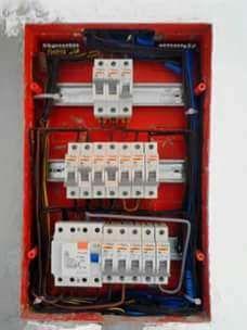 Eletricista de construção civil