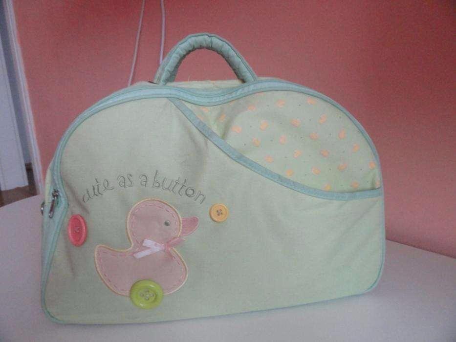 geanta carut bebe in stare foarte buna