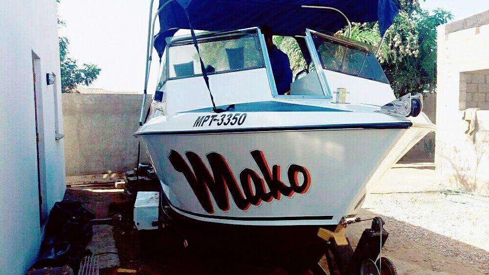 Vendo Barco semi novo