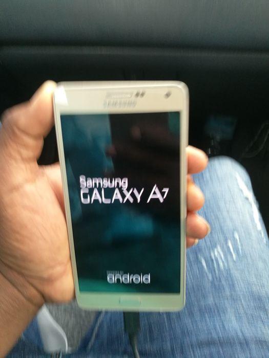 Galaxy A7 em perfeitas condições