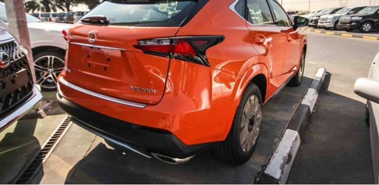 Vende-se Lexus Porto Amboim - imagem 3