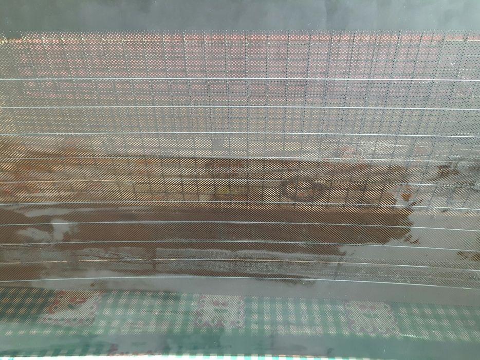 Стекло заднее Волга шелкография